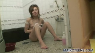 Naked hot Japanese girlie Chisa Hirahara wants to take bath together with you Preview Image
