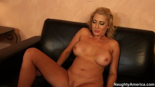 Spoiled blondie Jennifer_Best gets her twat fingerfucked Preview Image