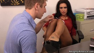 Having pussy licked Jessica Jaymes starts providing boobfuck Preview Image