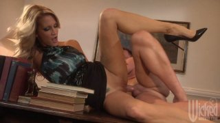Sexy blonde milf Jessica Drake fucks on the office desk Preview Image