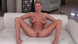 Strong stud Mark Wood drills the blondie_Zoe Holiday's twat Preview Image