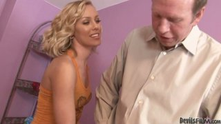 Easy going blonde babe Nicole Aniston gives blowjob Preview Image