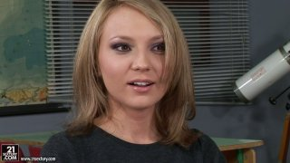 Cute blonde_chick Nataly Von tells how she fucked last time Preview Image