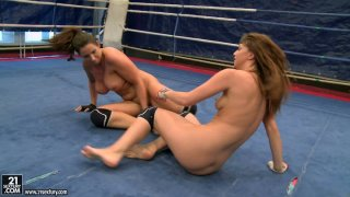 Brunette hussies Lisa Sparkle and Eliska Cross share dildo after a fight Preview Image