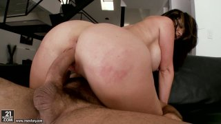 Stud with fat dick gets a chance to drill the vagina of Jayden Jaymes Preview Image