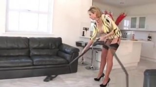 Adulterous Uk Milf Lady Sonia Pops Out Her Big Boobs Preview Image