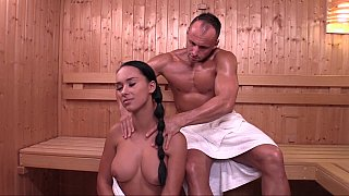 Czech girl_Victoria Sweet in sauna Preview Image