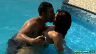 Smoking hot Brazilian Mayara Shelson fondels her curves in the pool Preview Image
