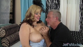 Sexy chubby model Buxom Bella has sex Preview Image