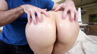 Jenna Ivory's got big ass and knows how to twerk it Preview Image