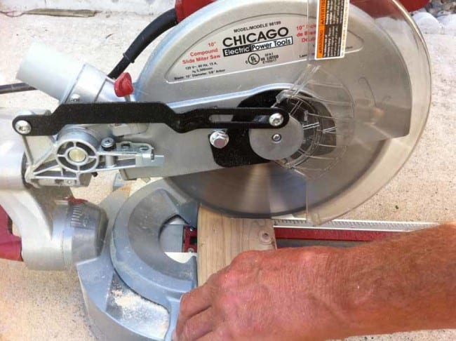 Chicago Electric 10 Inch Sliding Compound Miter Saw Cutting