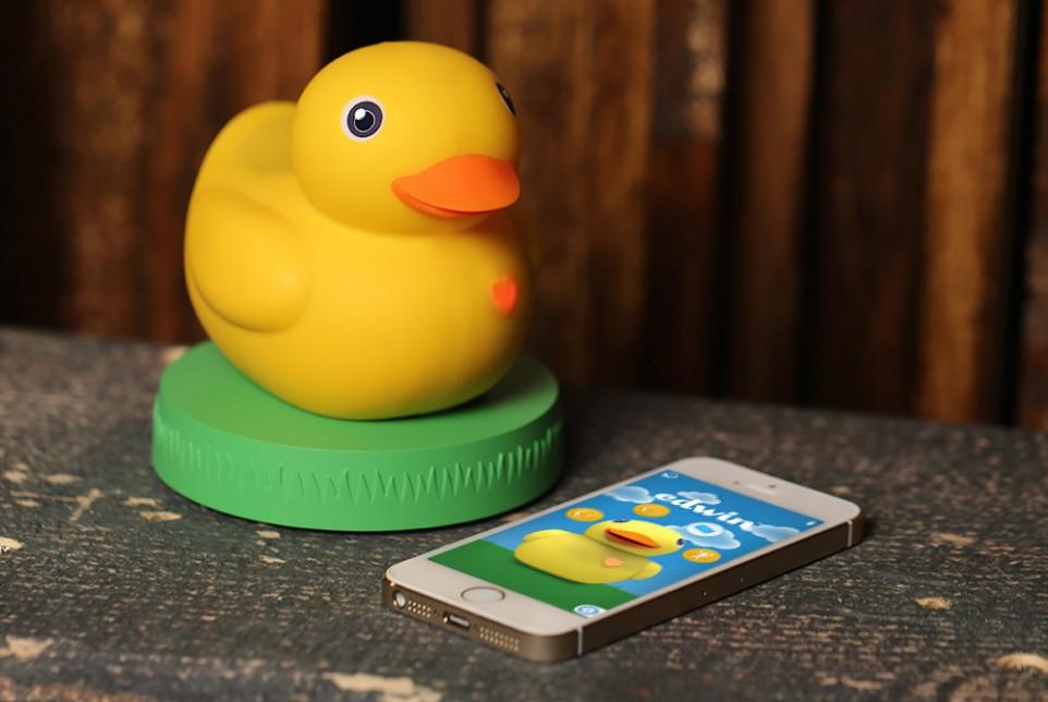 Smart Rubber Ducky Serves as Bath Time Teacher