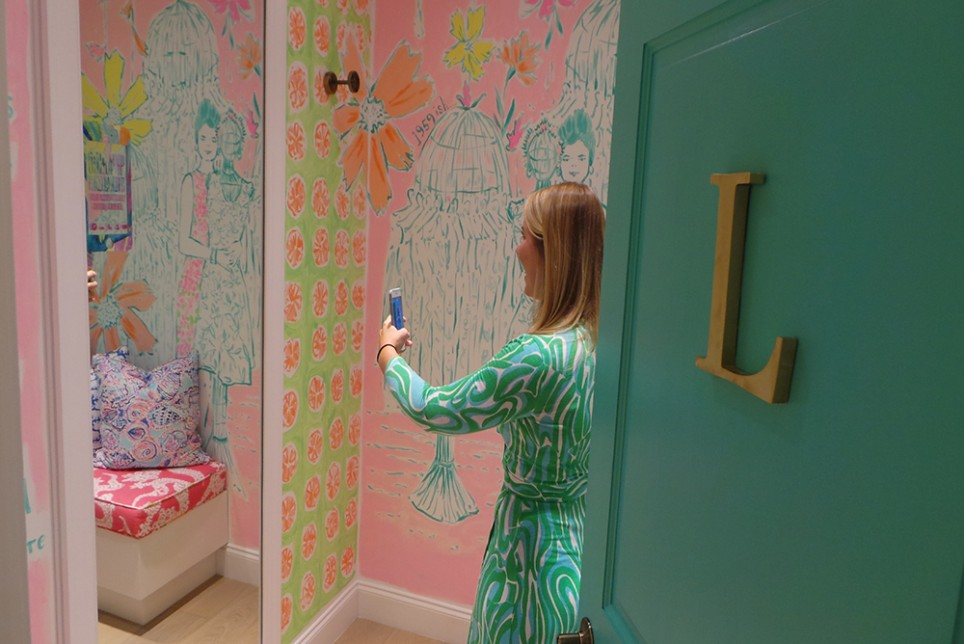 Lilly Pulitzer Has Created Custom-Printed Filters for Snapchat
