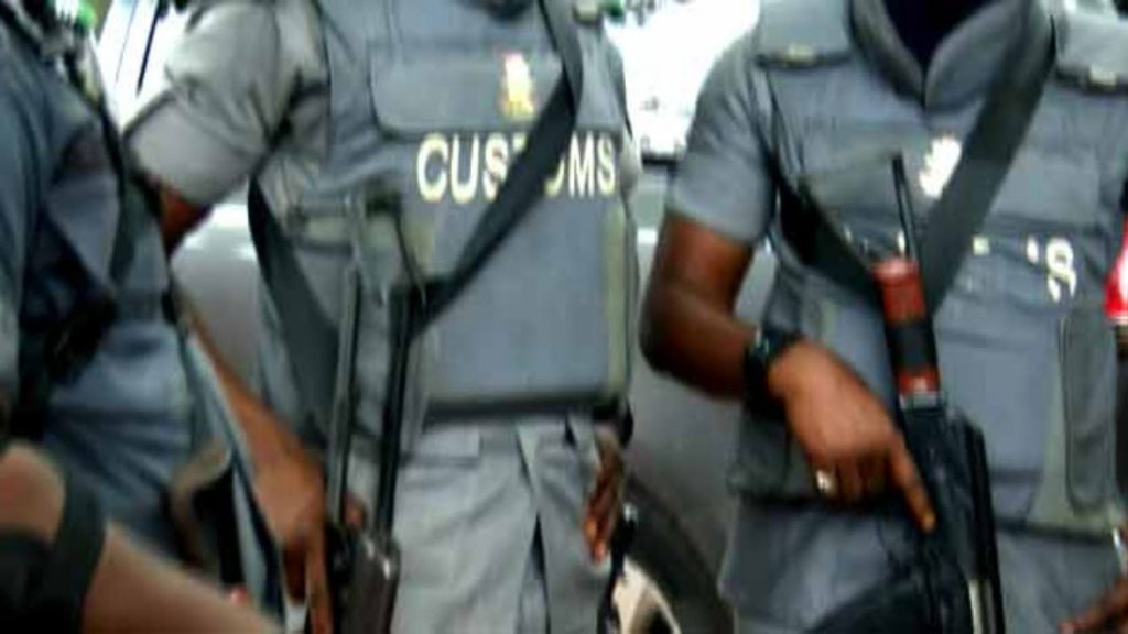 3 feared dead as customs officers, youths clash in Ogun