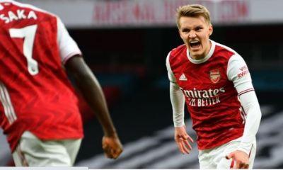 EPL: Arsenal fight back to beat 10-man Tottenham 2-1