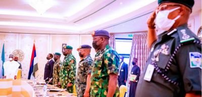 President Buhari, security chiefs meet after robbery attempt in Aso Rock