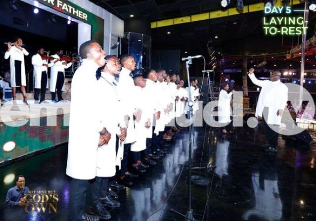 The Ondo State Government House Choir performing at TB Joshua's interment service