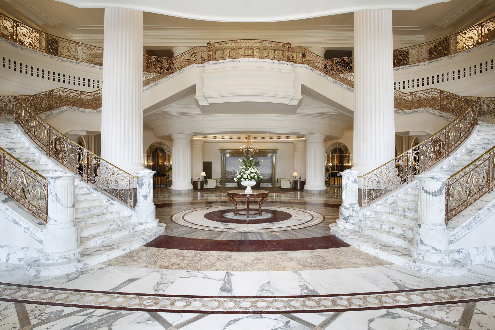 Inside Posh New St. Regis Dubai