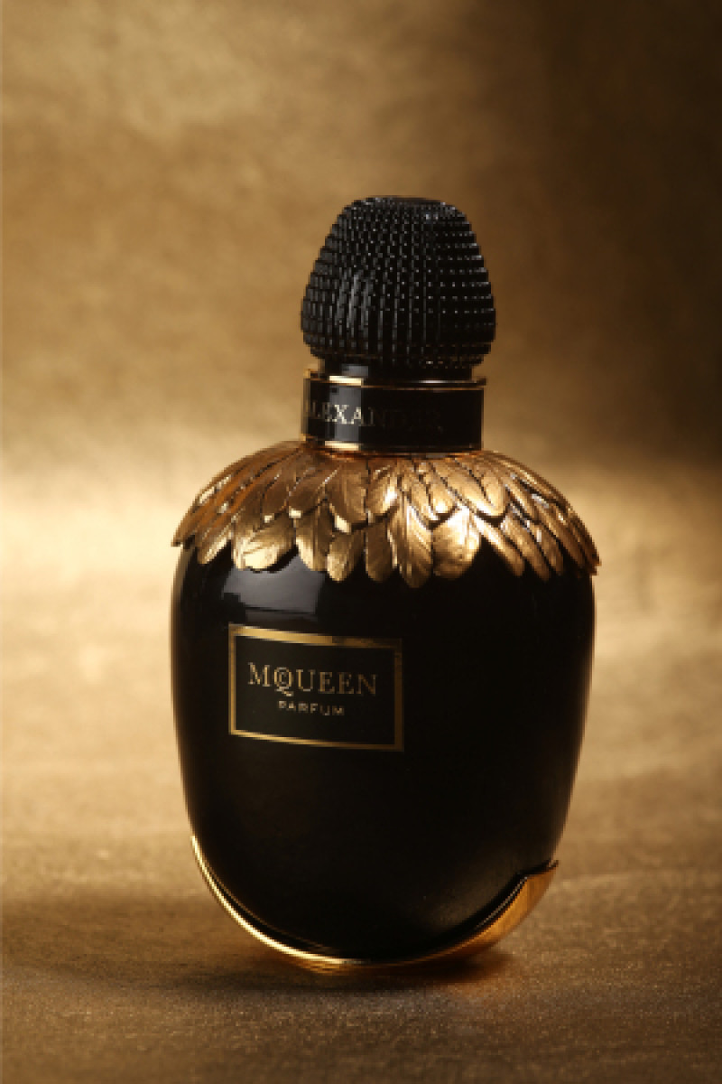 Alexander Mcqueen Launches Mcqueen Parfum Pursuitist