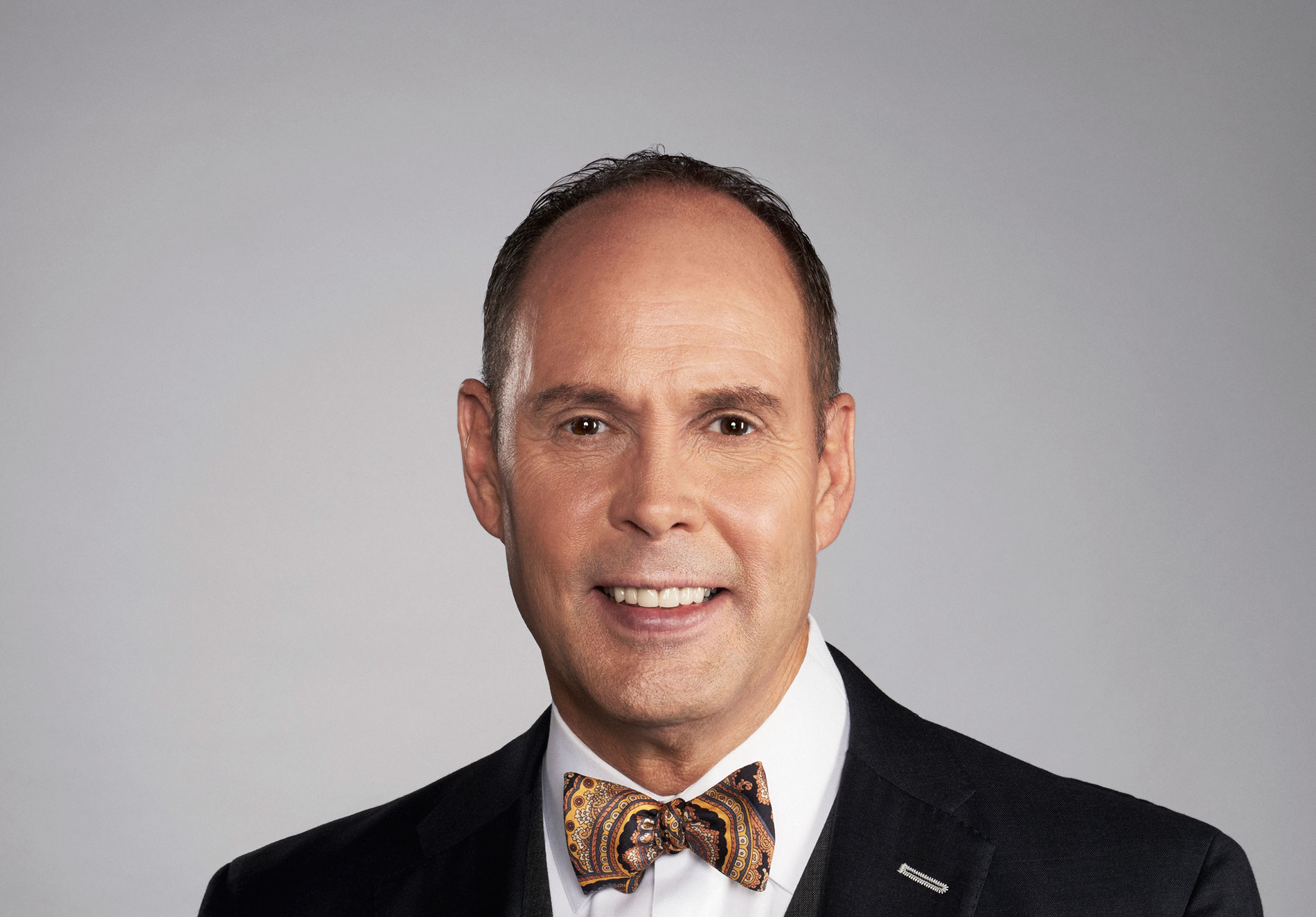 The Overhead Compartment With Ernie Johnson Jr Pursuitist