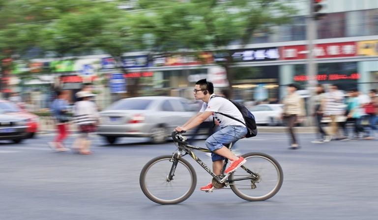Los ciclistas no podrán utilizar auriculares