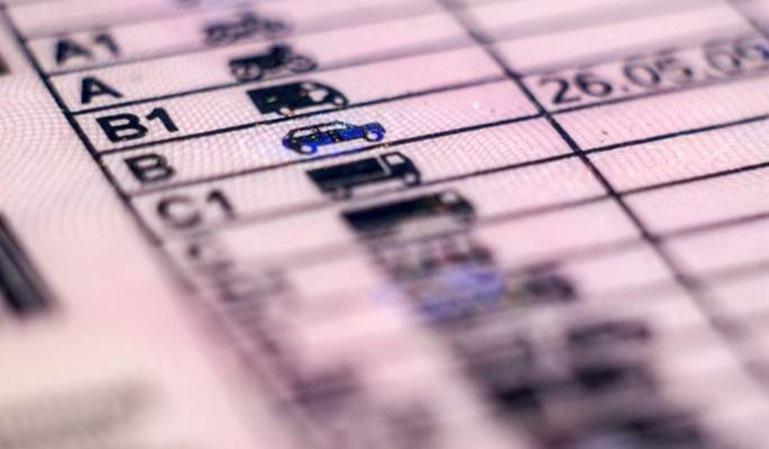Retirada de carnet de conducir por multas ajenas
