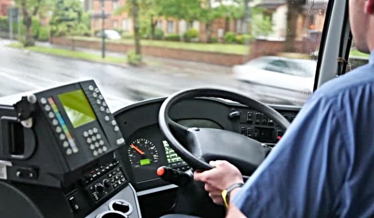 ¿Cuál es la cantidad de horas permitidas para un conductor de autobús?