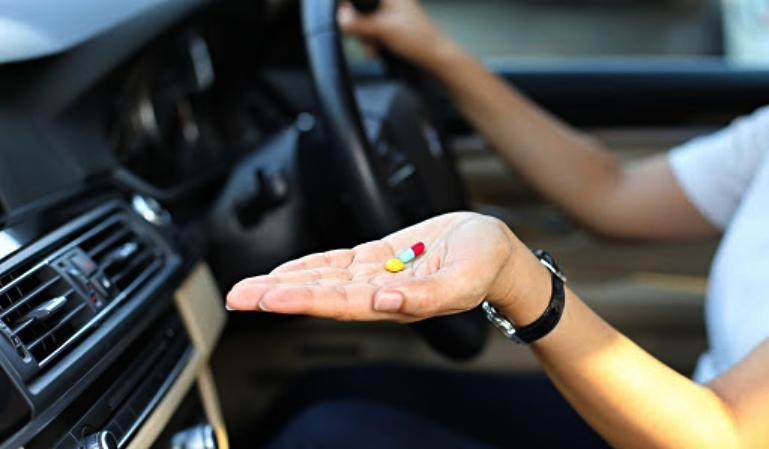 ¿Qué medicamentos pueden dar un falso positivo en un control?