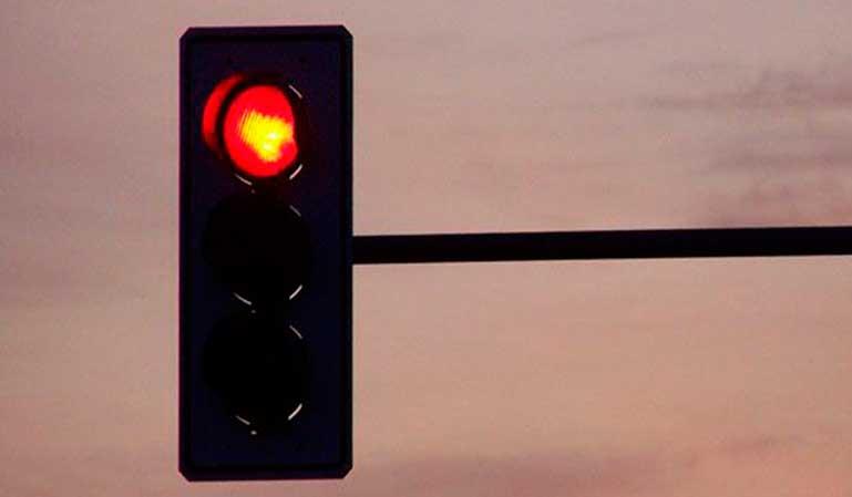Multa-saltarse-semáforo