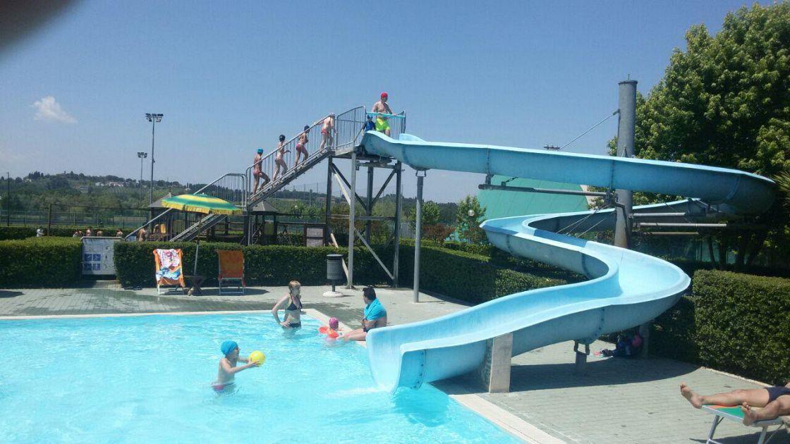 Il 2 giugno in piscina Centinaia di presenze  Attualit