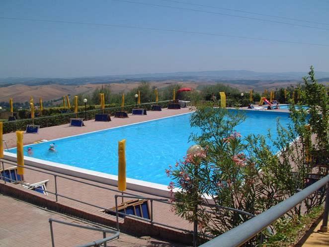 Primi tuffi in piscina  Cronaca Valdera