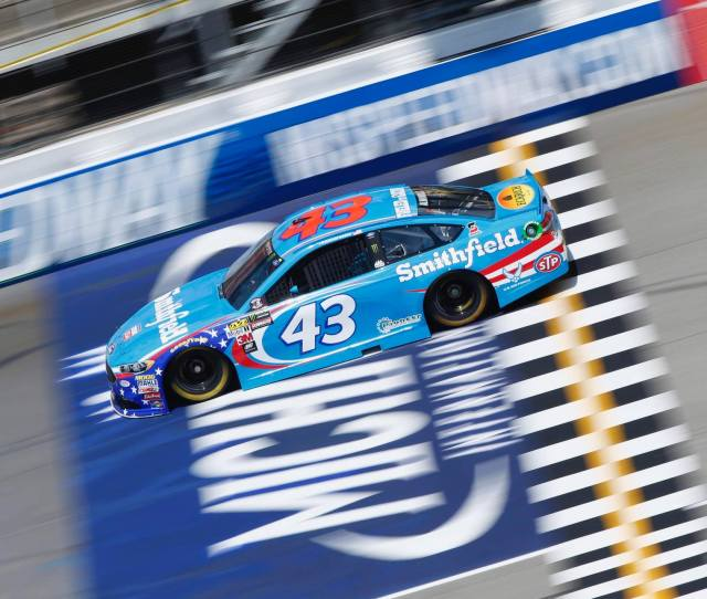 Golf Coach Resigned After Racist Tweets To Nascars Bubba Wallace