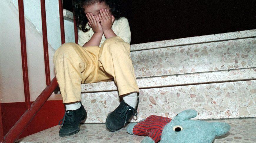 maltraitance a enfants a barentin