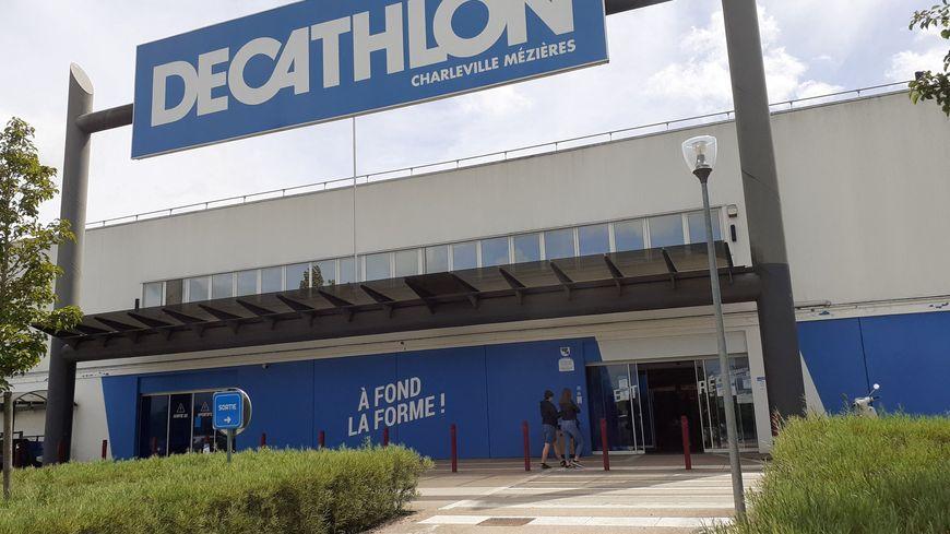 la ruee au magasin de sport decathlon