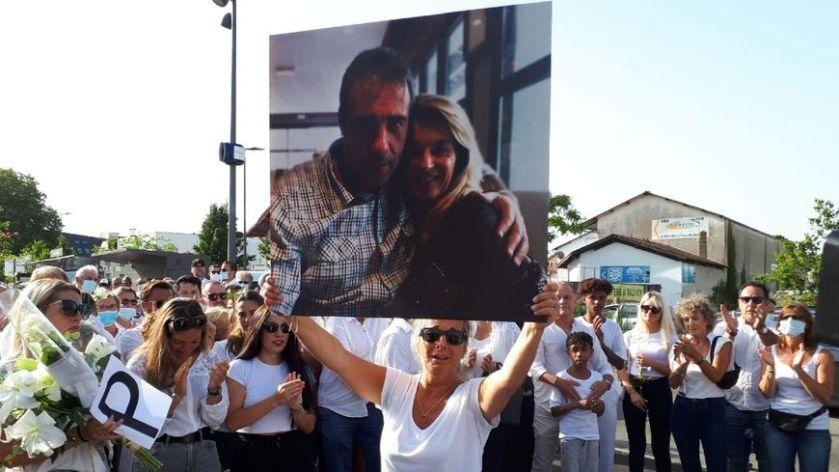 Marche blanche en l'honneur du conducteur de bus Philippe ...