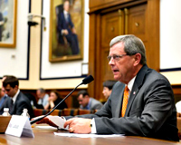 Latham makes pitch to keep F-16's in Des Moines (audio) - Radio Iowa