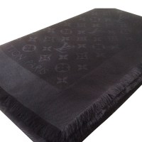 Louis Vuitton Louis Vuitton Monogram Shawl. - Buy Second ...