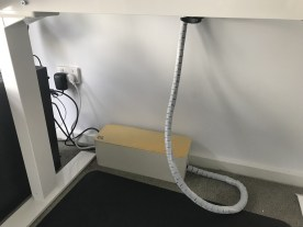 Bundled cables make for easy height changes