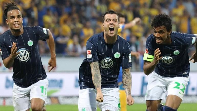 Wolfsburgo mantém-se na Bundesliga à custa de Vieirinha