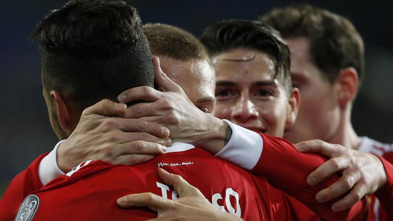 Grupo B: Bayern Munique triunfa e mantém perseguição ao Paris SG
