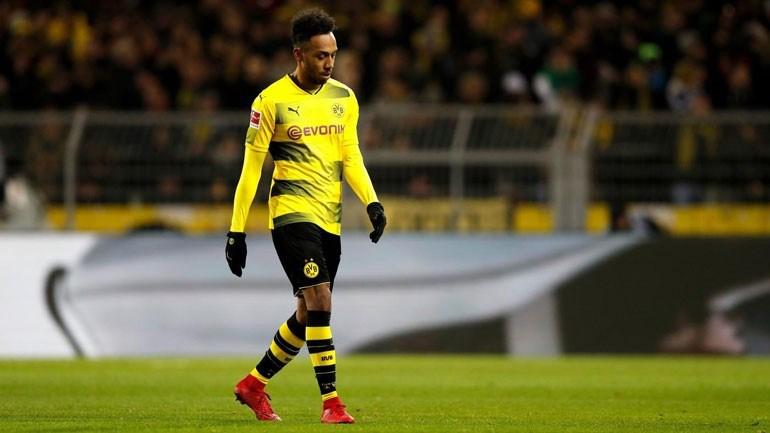 Aubameyangfora dos convocados do Borussia Dortmund