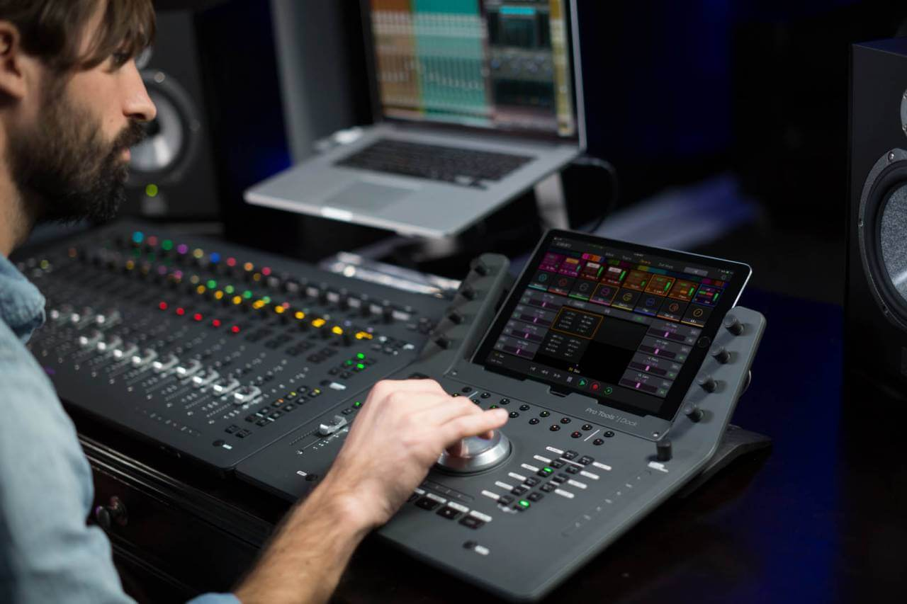 Avid Pro Tools  Dock control surface launched