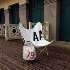 Sailcloth Beach Chairs Office Chair Stool Height 13 Summer Essentials Made From Recycled Sails Remodelista The Butterfly Is Airborne In France Via Midiune