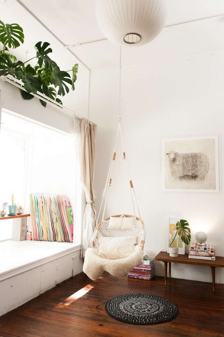 Wicker Chairs Indoor 10 Easy Pieces Hanging Rattan Chairs Remodelista