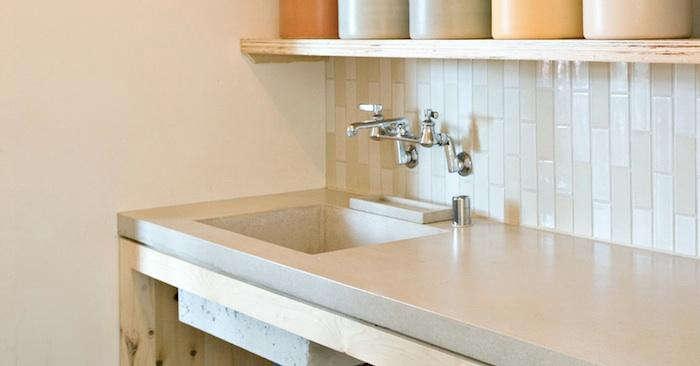white kitchen countertops island with dishwasher 10 easy pieces remodelista countertop picks concrete