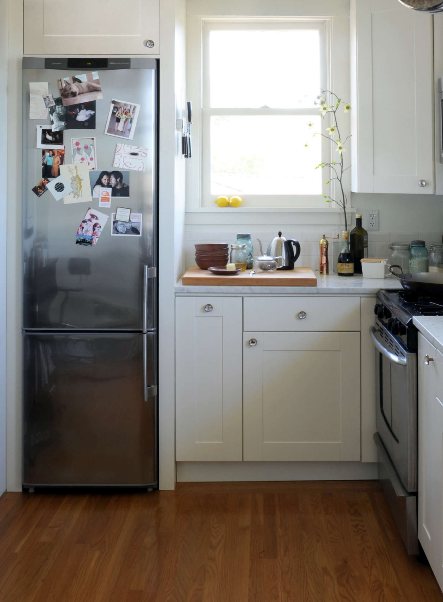 14 Tricks for Maximizing Space in a Tiny Kitchen Urban Edition  Remodelista