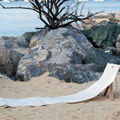 Sailcloth Beach Chairs Little Tikes Table And Set Toys R Us 13 Summer Essentials Made From Recycled Sails Remodelista Among Dvelas S Many Offerings Sail Canvas Is The Smartly Deconstructed Fortuna Chair