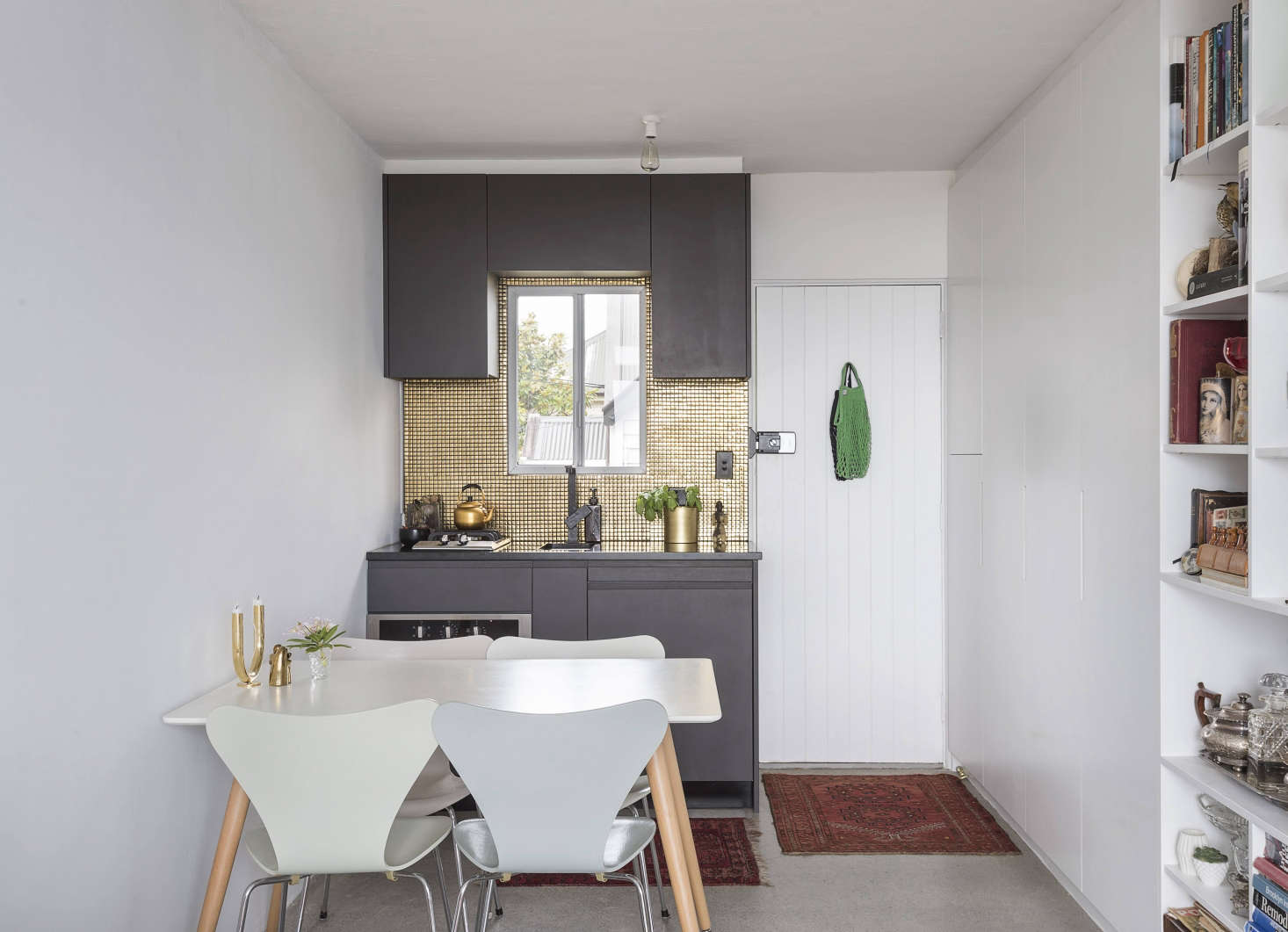 Expert Advice The New Kitchenette 11 Tips for an Efficient Small Kitchen  Remodelista