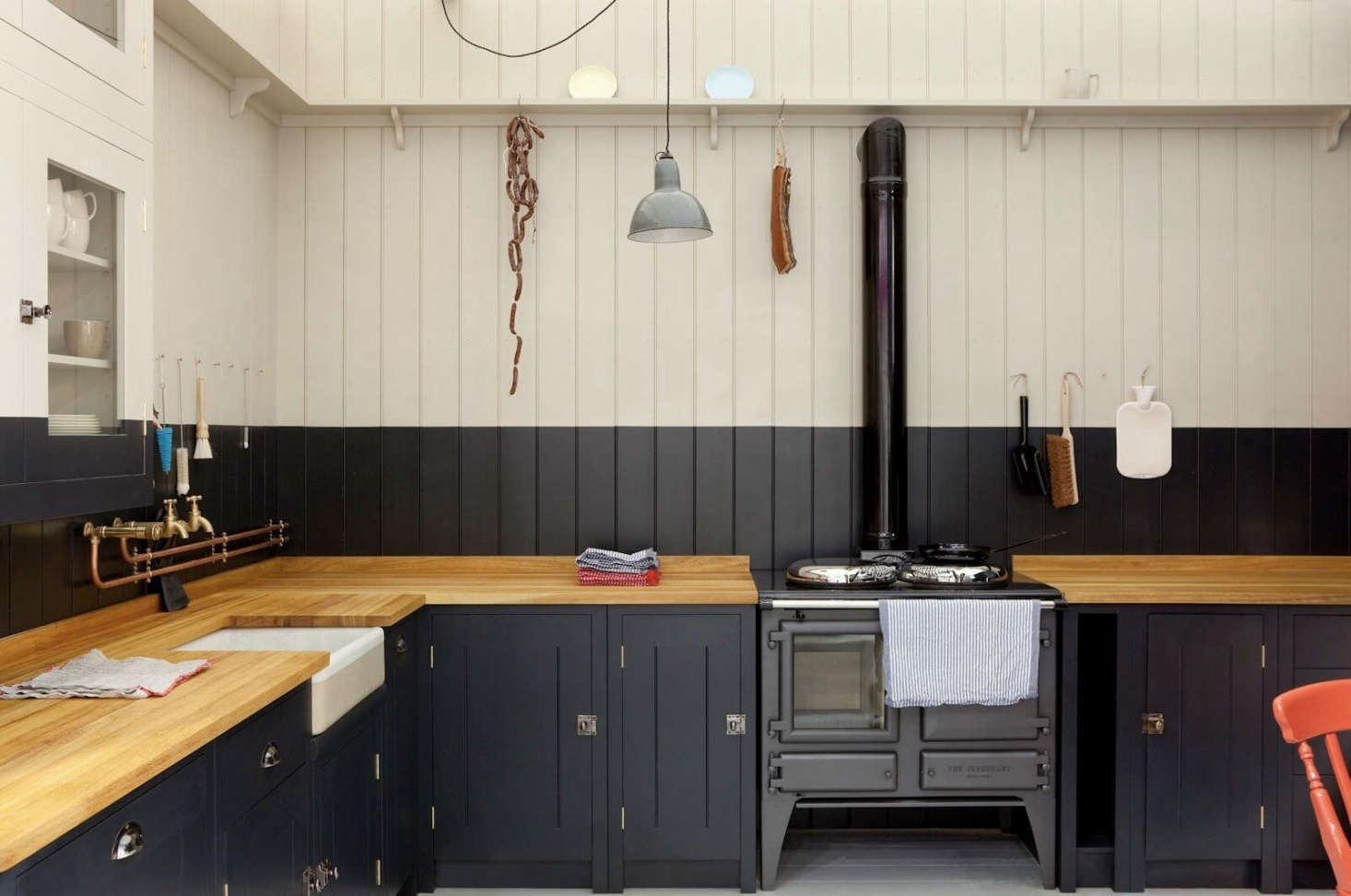 The Cookery 16 Favorite Traditional English Kitchens From The Remodelista Archives Remodelista