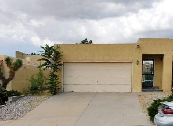 Fantastic Townhome with huge living room with fireplace, Close To Shopping,schools, highway. This Home home has great features! Home Has Three spacious Bedrooms, 2 Car Garage, Nice Patio for relaxing. This is a great home at an excellent price. come take a look!